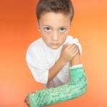 Comment protéger un plâtre et sauver ses vacances ?