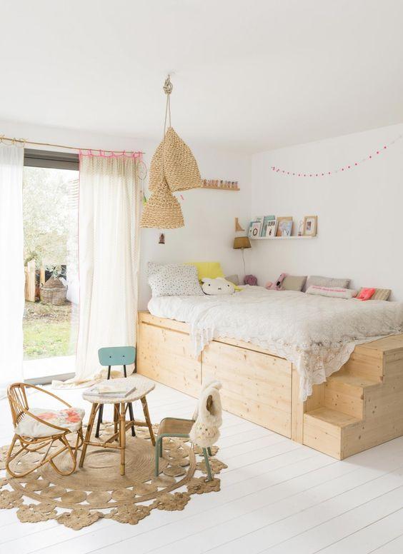 Accessoires, les luminaires d une chambre d enfant   Certainement pas !  Dans la chambre des petits, les luminaires sont même très importants. ea53abab128