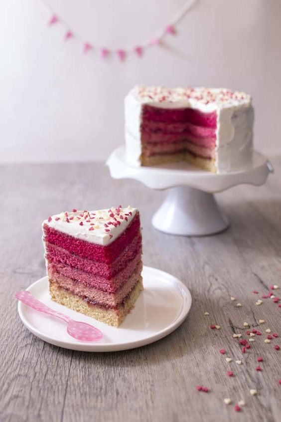 rainbow-cake-anniversaire-decoration-gateau-enfant