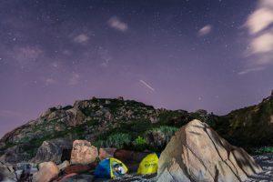 camping avec des tentes
