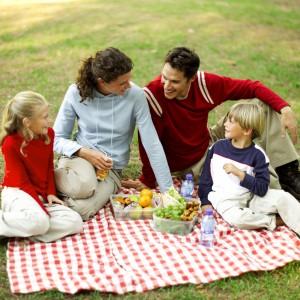 Activité à l'extérieur en famille